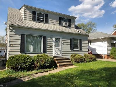 Cleveland Single Family Home For Sale: 18406 Flamingo Avenue
