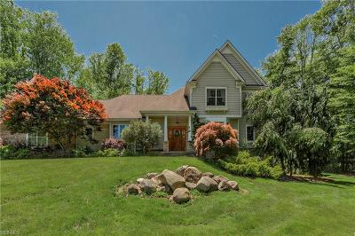 Willoughby Single Family Home For Sale: 8830 Robin Lane