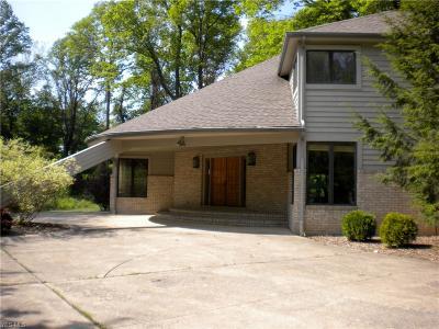 Lake County Single Family Home For Sale: 8815 Pheasant Run Lane