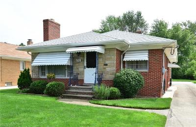 Rocky River Single Family Home Active Under Contract: 2901 Dale Avenue