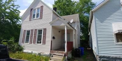Cleveland Single Family Home For Sale: 5101 Guy Avenue