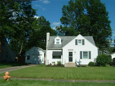 Youngstown Single Family Home For Sale: 3279 Hermosa Drive