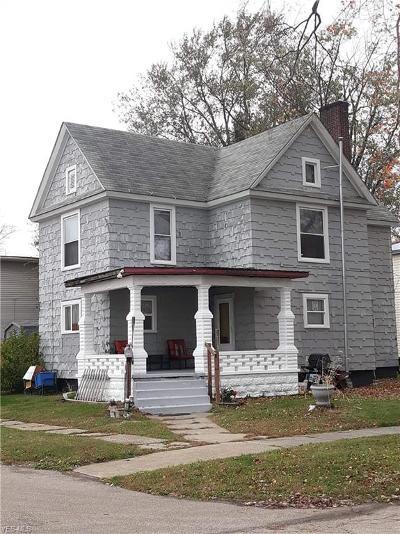 Conneaut Single Family Home For Sale: 365 Buffalo Street