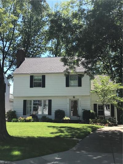 Single Family Home Active Under Contract: 23502 Beachwood Boulevard