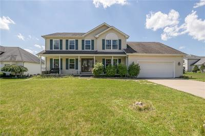 Strongsville Single Family Home For Sale: 11618 Woodrun Drive