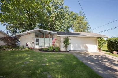 North Olmsted Single Family Home For Sale: 4340 Michael Avenue