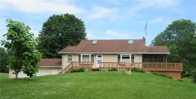 Garrettsville Single Family Home Active Under Contract: 11436 Kyle Road
