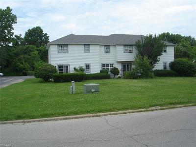 Canfield Condo/Townhouse For Sale: 3820 Indian Run Drive #1