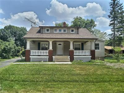 North Olmsted Single Family Home For Sale: 5563 Columbia Road