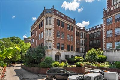 Cleveland Condo/Townhouse For Sale: 11432 Cedar Glen #A1
