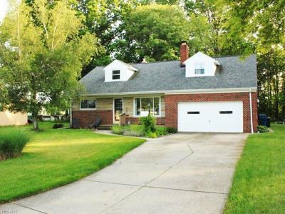 North Olmsted Single Family Home Active Under Contract: 4564 W Ranchview Avenue