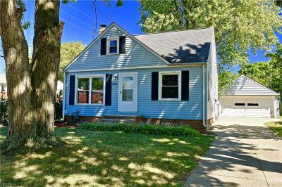 Willoughby Single Family Home For Sale: 5061 Strawberry Lane