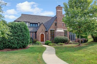 Willoughby Single Family Home For Sale: 39505 Tudor Drive