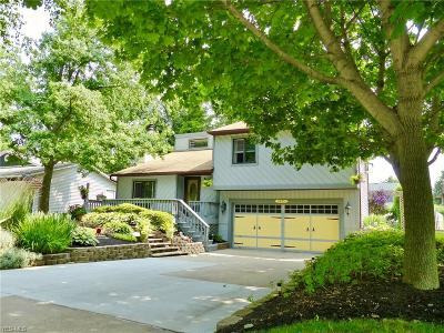 Willoughby Single Family Home For Sale: 3055 Reeves Road