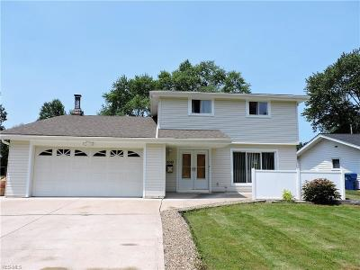 North Olmsted Single Family Home For Sale: 6010 Forest Ridge Drive