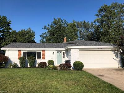 North Olmsted Single Family Home For Sale: 5971 Park Ridge Drive