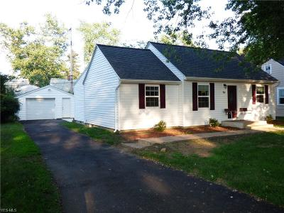 Willoughby Single Family Home For Sale: 961 Mohegan Trail