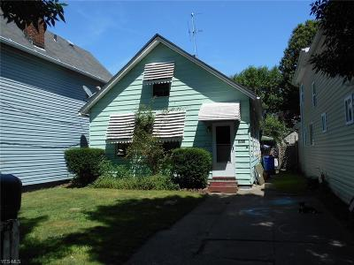 Single Family Home For Sale: 1821 W 52nd Street