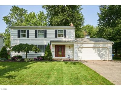 North Olmsted Single Family Home For Sale: 3876 Canterbury Road
