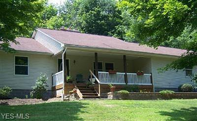 East Palestine Single Family Home For Sale: 6601 Gorby Road