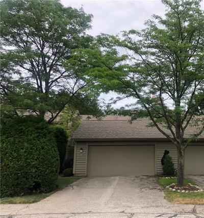 Beachwood, Chagrin Falls Condo/Townhouse Active Under Contract: 10 Saratoga Court