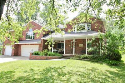 Brecksville Single Family Home For Sale: 8976 Elm Street