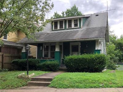 Single Family Home For Sale: 338 Woodlawn Avenue