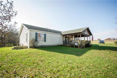 Guernsey County Single Family Home For Sale: 9998 E Church Hill Road