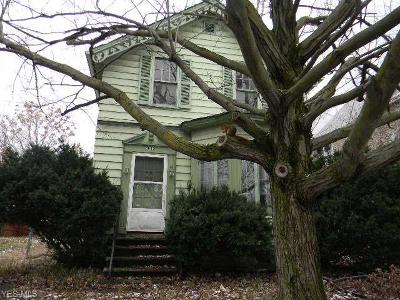 Cleveland Single Family Home For Sale: 3842 E 71st Street