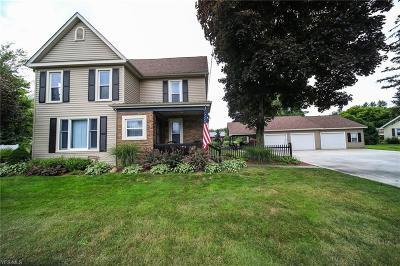 Conneaut Single Family Home For Sale: 407 E Main Road