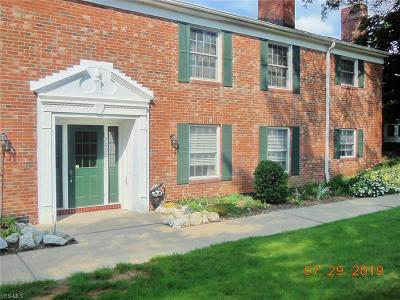 Brecksville Condo/Townhouse Active Under Contract: 7055 Carriage Hill Drive #104