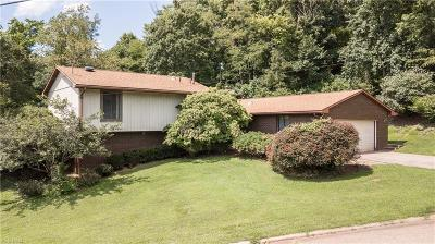 Marietta Single Family Home For Sale: 101 Colegate Woods Drive