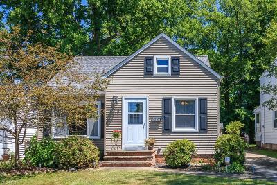Mayfield Heights Single Family Home For Sale: 1119 Washington Boulevard