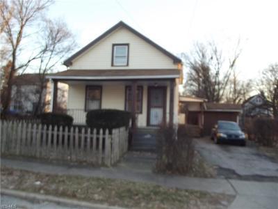 Cleveland Single Family Home For Sale: 9404 Benham Avenue