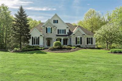 Chagrin Falls Single Family Home Active Under Contract: 8185 Carrington Place