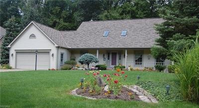 North Olmsted Single Family Home For Sale: 30410 Oakwood Circle