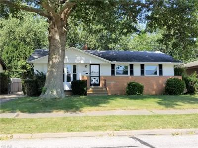 Parma Heights Single Family Home For Sale: 6881 Brandywine Road