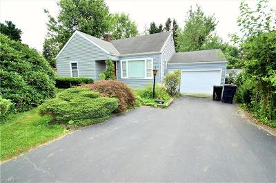 East Liverpool Single Family Home For Sale: 808 Manor Lane