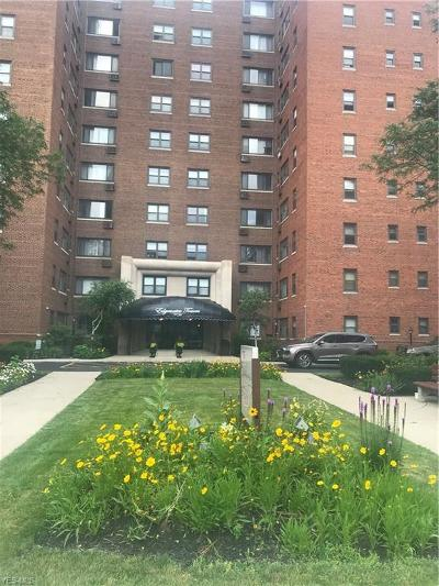 Bay Village, Cleveland, Lakewood, Rocky River, Avon Lake Condo/Townhouse For Sale: 11720 Edgewater Drive #619