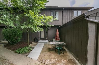 North Royalton Condo/Townhouse For Sale: 7559 Creekwood Drive #20D