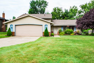 Strongsville Single Family Home Active Under Contract: 19042 Turkey Meadow Lane