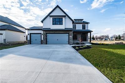 Willoughby Single Family Home For Sale: 38440 Melrose Farms Drive