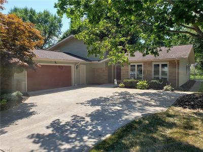 North Olmsted Single Family Home For Sale: 6884 Chadbourne Drive