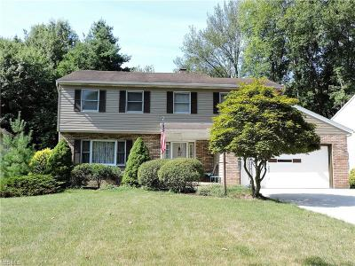 North Olmsted Single Family Home For Sale: 5980 Wild Oak Drive