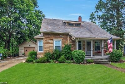 Mentor Single Family Home For Sale: 9535 Headlands Road