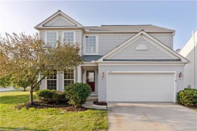 North Ridgeville Single Family Home For Sale: 9345 Saybrook Drive