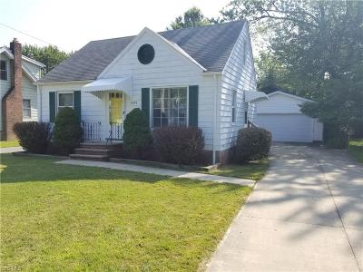 Mayfield Heights Single Family Home For Sale: 1371 Iroquois Avenue