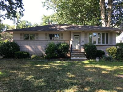 Single Family Home For Sale: 27910 Aberdeen Road
