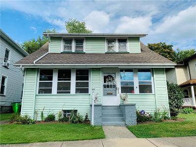Massillon Single Family Home Active Under Contract: 422 2nd Street