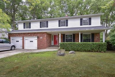 North Olmsted Single Family Home For Sale: 6787 Warrington Drive